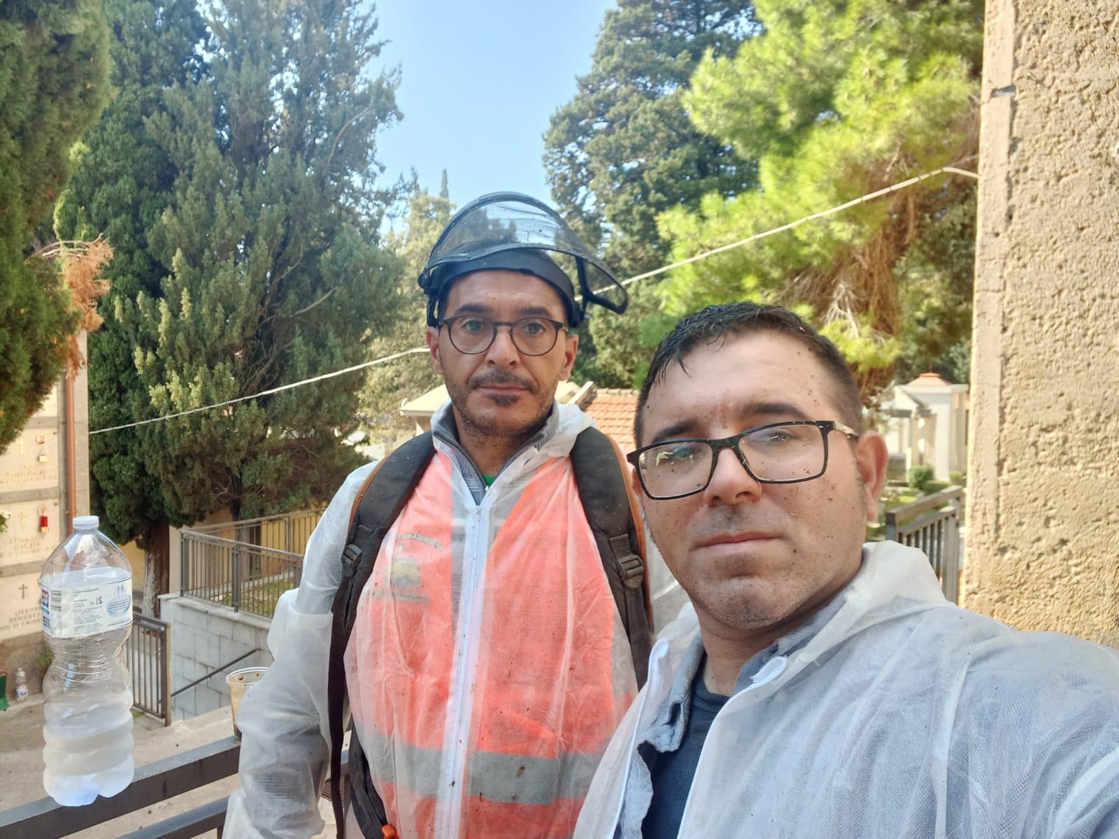 Monreale, Piero Faraci e Alessandro Maenza ripuliscono il Cimitero (FOTO)